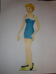 Paper doll image courtesy of kathleen-dakotadreams.blogspot.com
