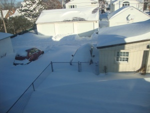 That snow mound to the right of the PT Cruiser is my car.