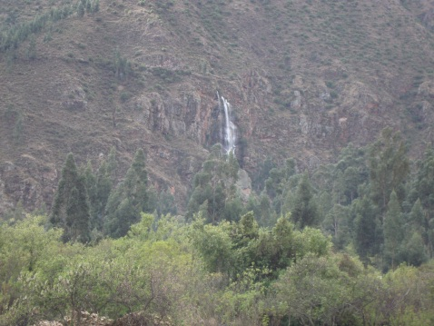 We saw this waterfall on the way back. Despite having waited an hour for us, the cab driver pulled over and let me snap this photo.