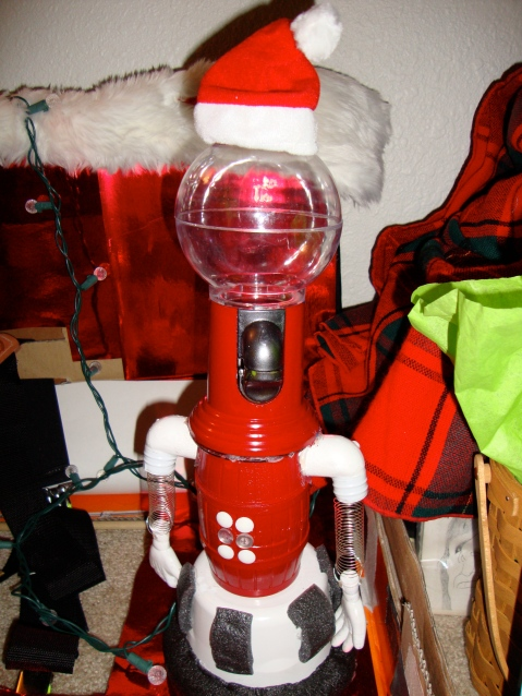 Tom Santa...I mean, Servo. He looks very jolly with the remains of Christmas.